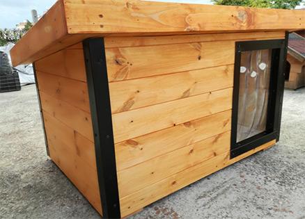 Rágás védelem a kutyaház négy külső sarkára